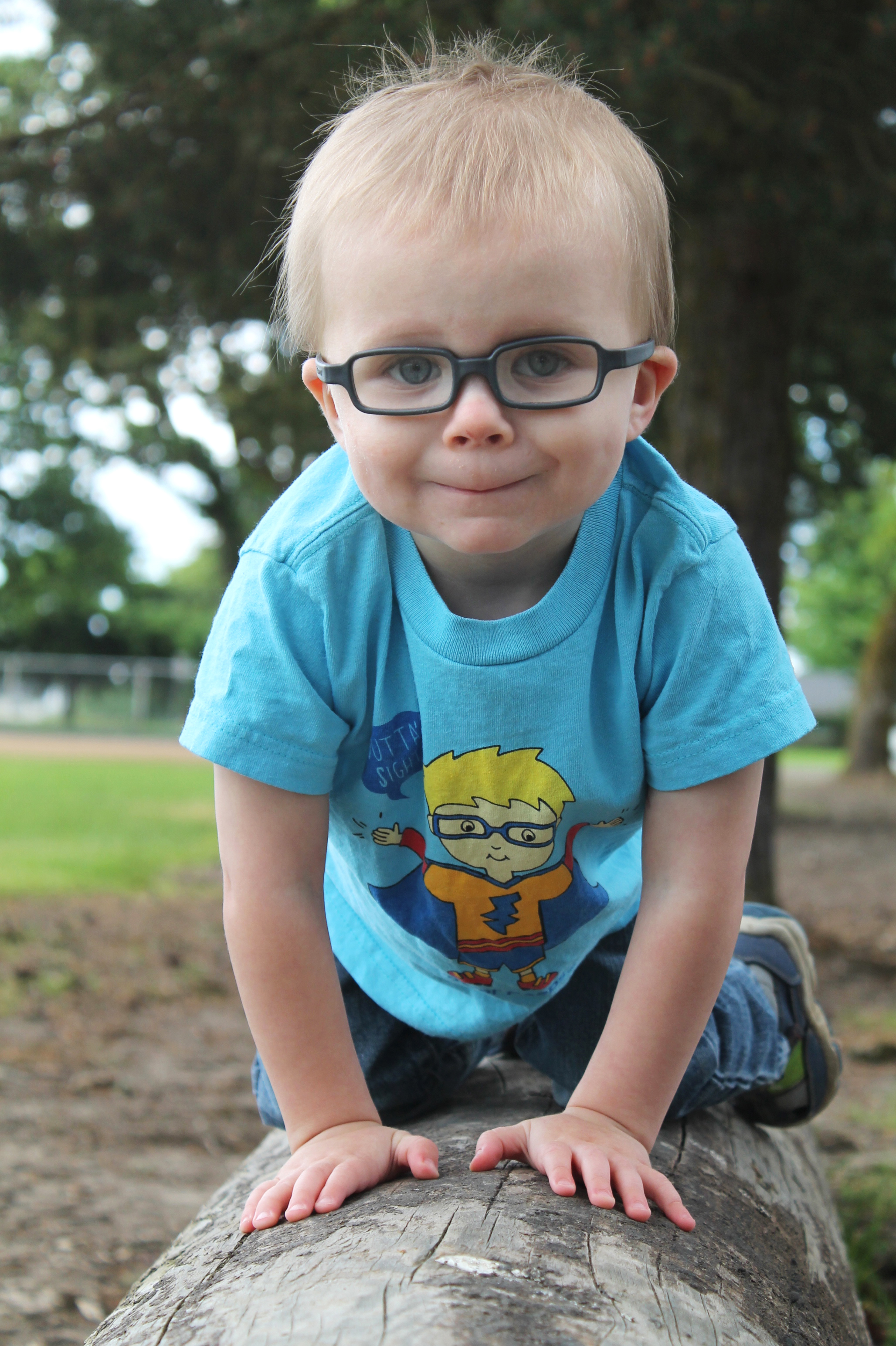 68e1919fee7 How to take Photos of kids in Glasses - Eye Power Kids Wear